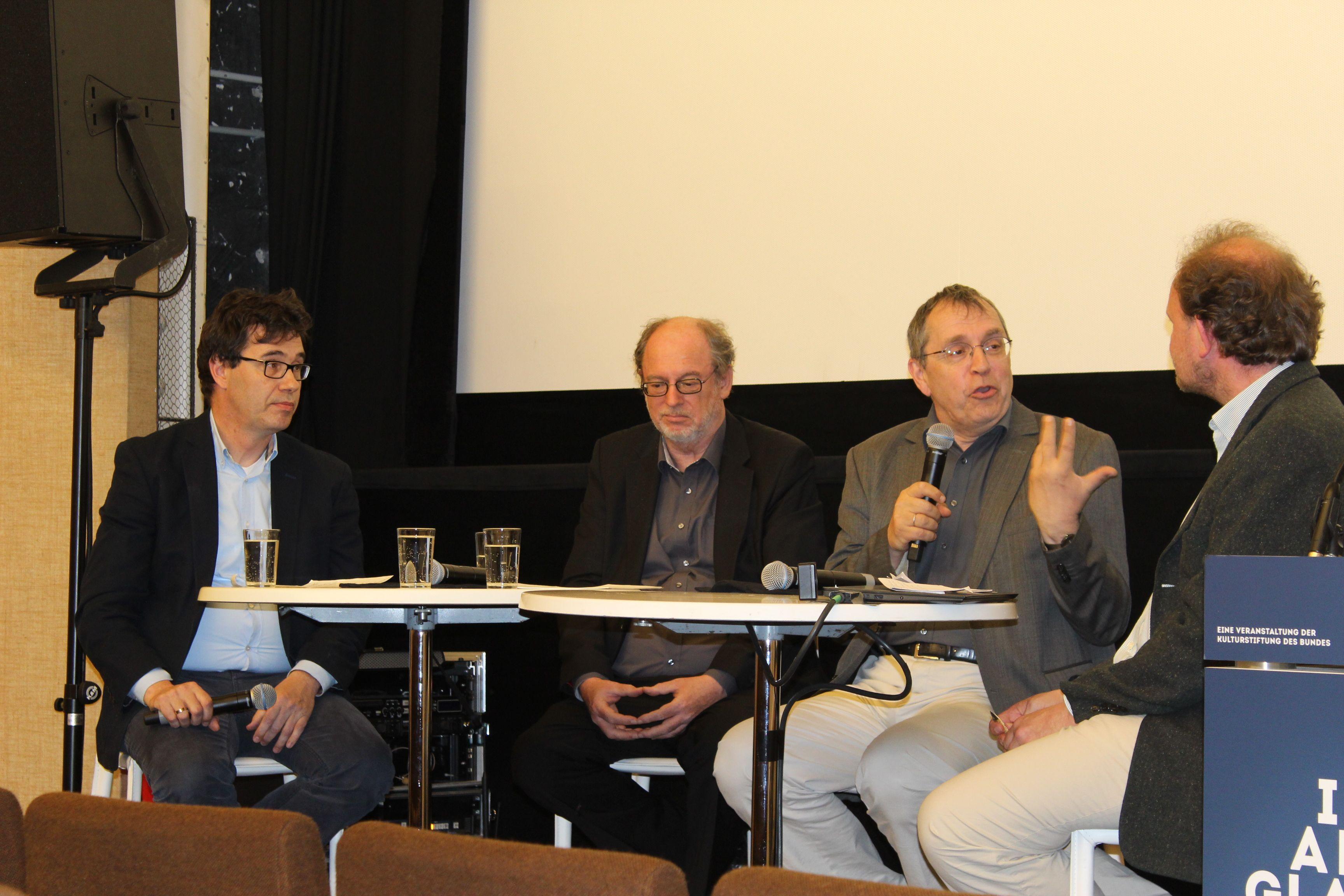 Moderator Stephan Schaede, Birger P. Priddat, Thomas Macho, Klaus von Stosch (v.l.)